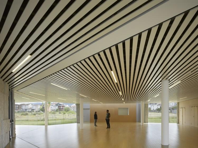 Centro de Artes de Verín / Zooco Estudio, © Roland Halbe