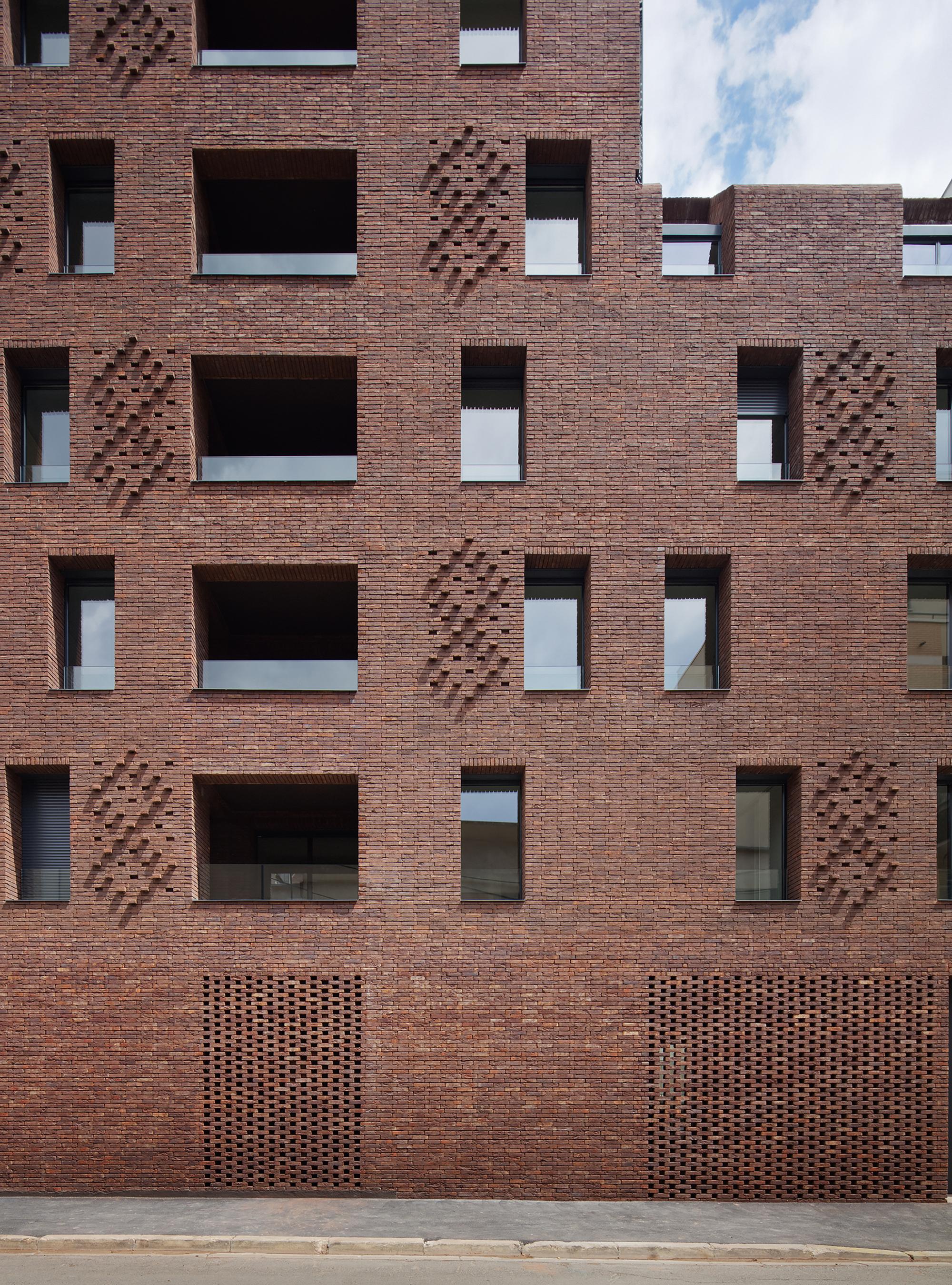 gallery of 38 social housing avenier cornejo 1. Black Bedroom Furniture Sets. Home Design Ideas