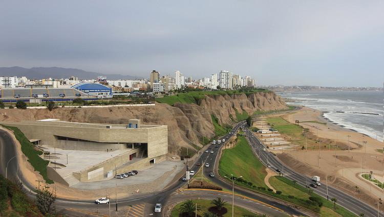 Lugar de la Memoria de Barclay & Crousse gana el premio Oscar Niemeyer 2016, © Cristobal Palma / Estudio Palma