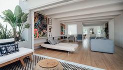 B.A. Apartment / Atelier Data