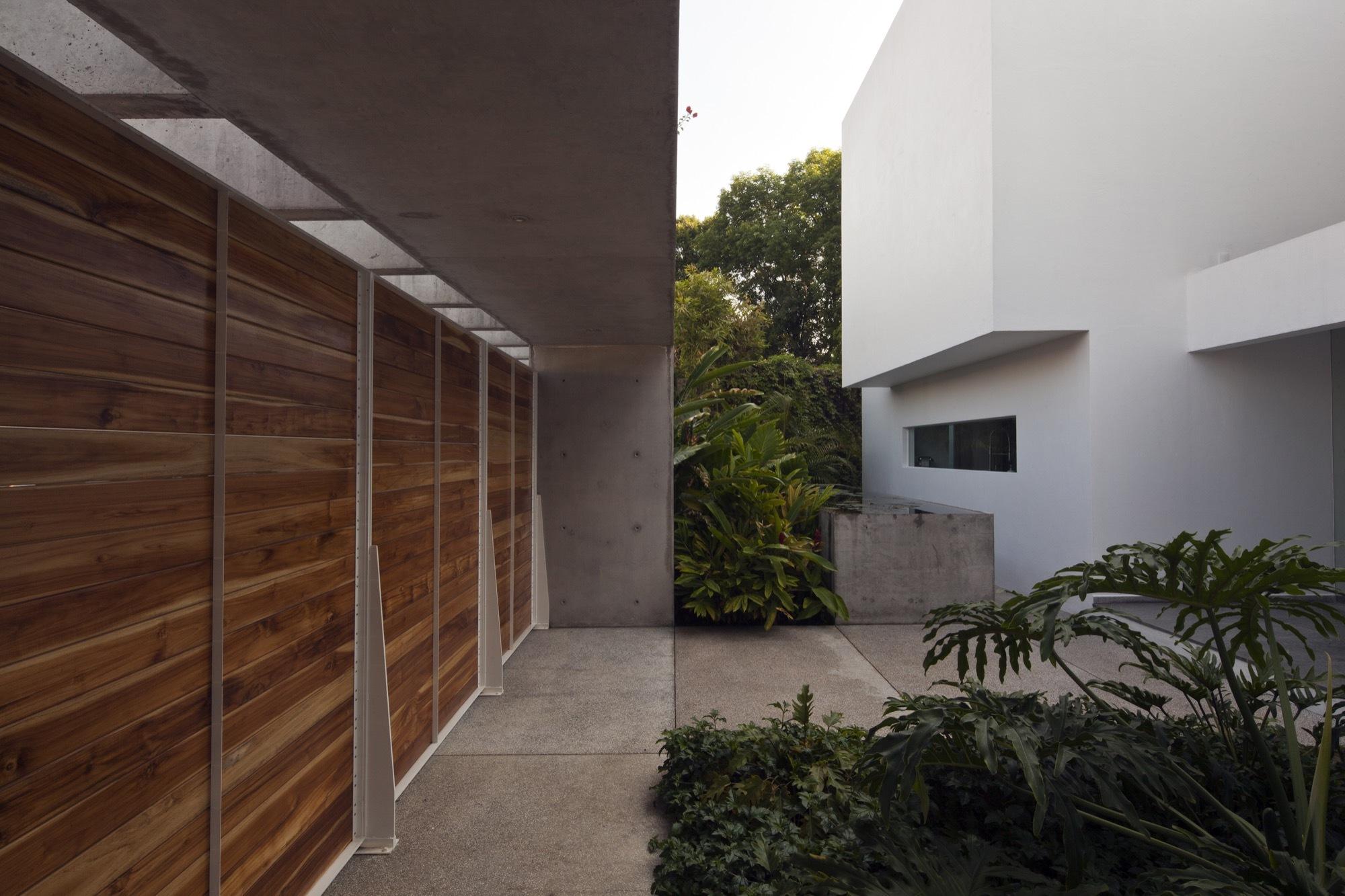 Casa tulipanes estudio fi arquitectos archdaily m xico for Interiorismo contemporaneo