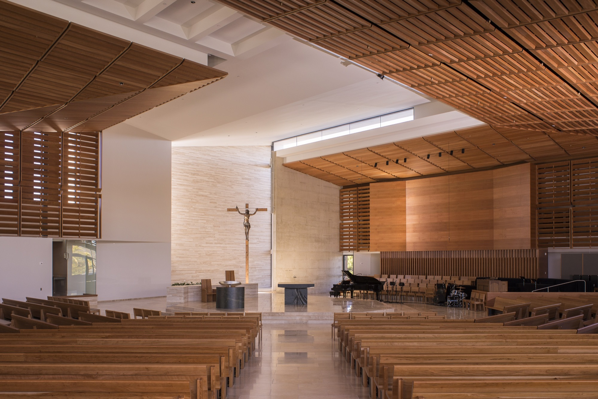 Gallery of St. Thomas More Catholic Church / Renzo