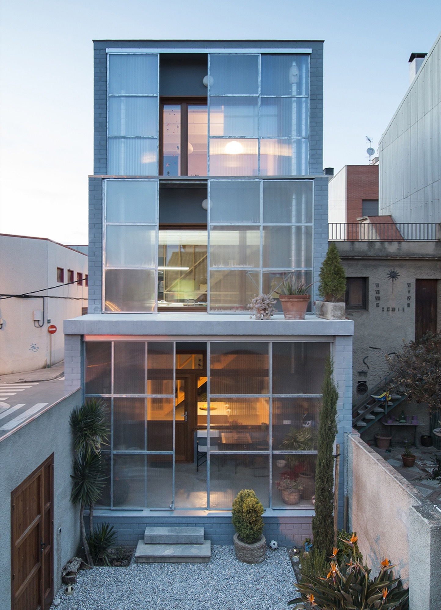 House 1105 H Arquitectes Archdaily