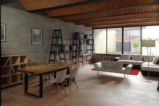 Casa Jardín / Apaloosa Estudio de Arquitectura y Diseño