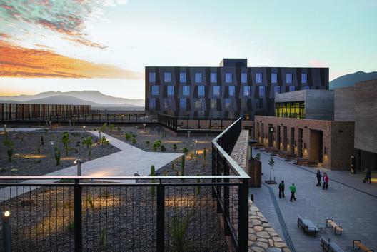 Obra del mes: Casino Ovalle y Hotel Keo