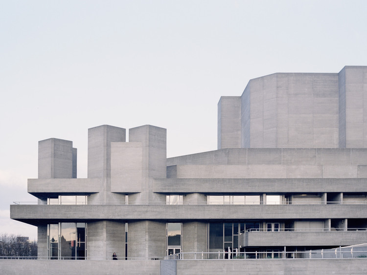 Inside the UK's New Attack on Brutalism, Royal National Theatre, London. Image © Studio Esinam / Rory Gardiner