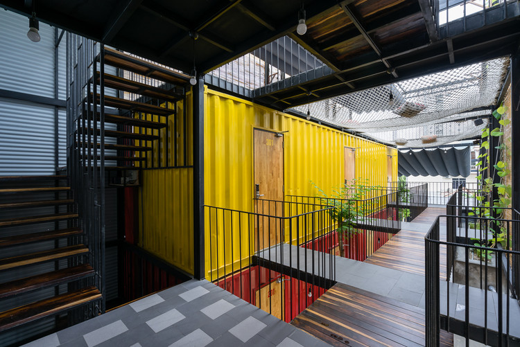 Ccasa Hostel  / TAK architects, © Quang Tran