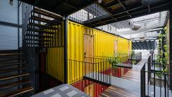 Ccasa Hostel  / TAK architects