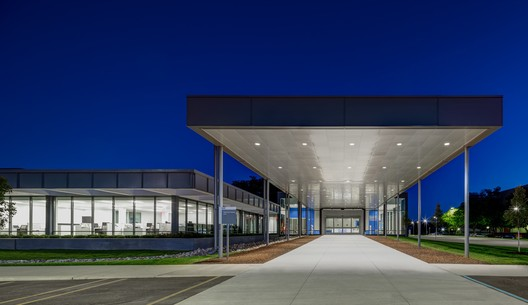 Dürr Systems Headquarters Facility / SmithGroup