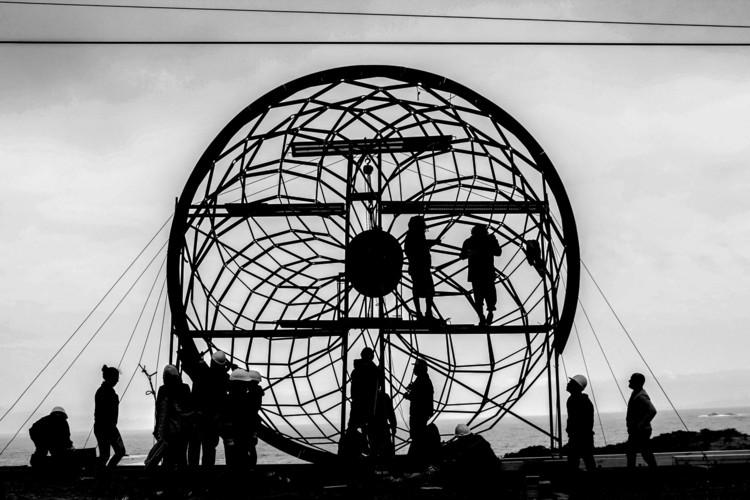 Josep Ferrando: 'La arquitectura es la relación entre materia y luz', Primer pabellón desarrollado por Ferrando y estudiantes de la Universidad Finis Terrae en 2015. Image © Laura Catra