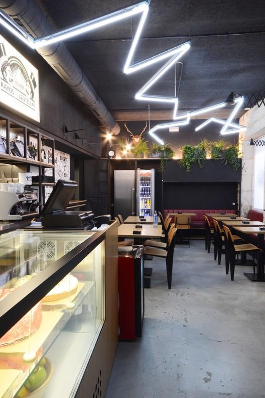 Rayos y Centellas Sandwich Club  / LIQE Arquitectura, Cortesía de LIQE arquitectura