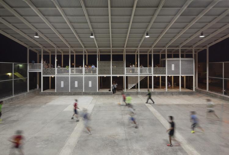 Rozana Montiel, única mexicana finalista del Premio internacional Schelling 2016, CANCHA / Rozana Montiel | Estudio de Arquitectura . Image © Sandra Pereznieto