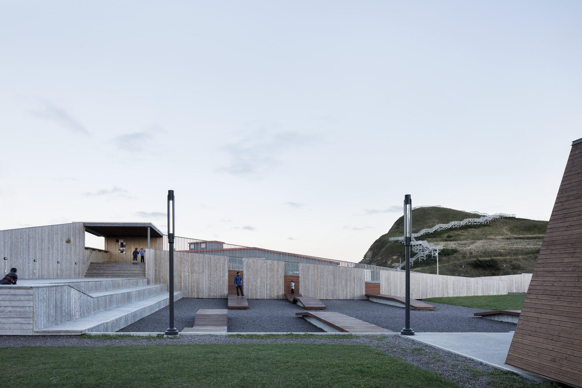 Best Image Place des Gens de Mer / Bourgeois Lechasseur Architects