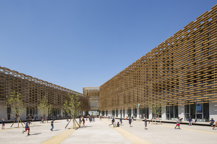The French International School of Beijing / Jacques Ferrier Architecture, © Luc Boegly
