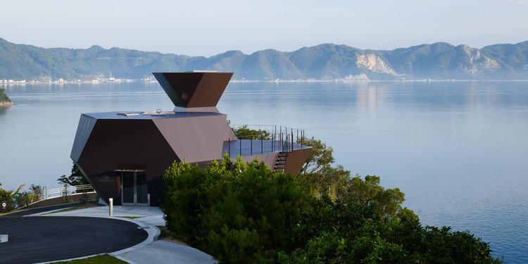 Cómo Toyo Ito se está embarcando en una nueva etapa profesional con arquitectura comunitaria a pequeña escala, Steel Hut, Toyo Ito Museo de Arquitectura en Omishima, Japón. Imagen © Daici Ano