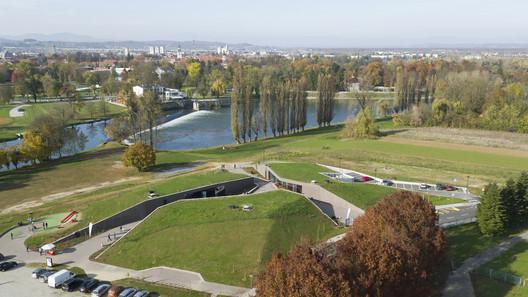 Karlovac Freshwater Aquarium and River Museum / 3LHD