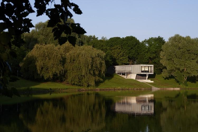 Estación de botes salvavidas Wasserwacht / Kunze Seeholzer Architekten, © Jann Averwerser