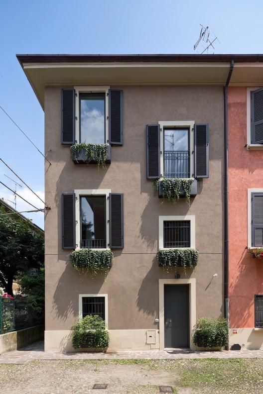 Villa Città Studi / Westway Architects
