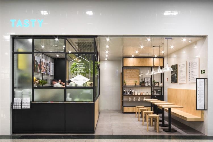 Tasty Salad Shop / Arquea Arquitetos, © Ricardo Perini