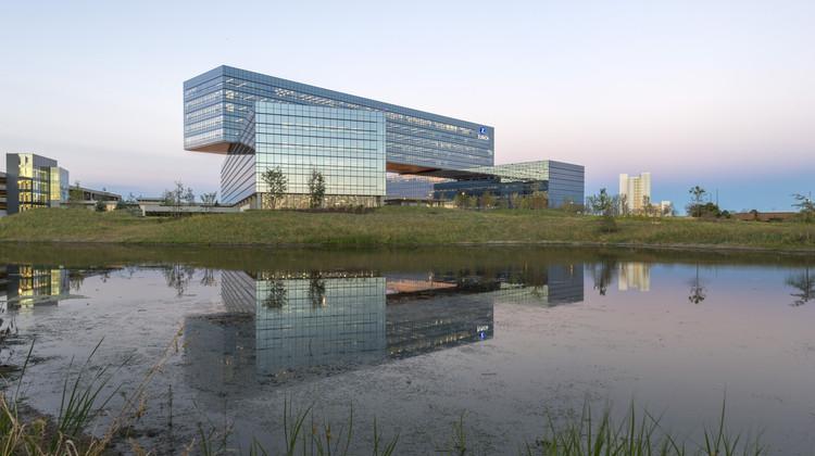 Oficinas centrales de Zurich Norteamérica / Goettsch Partners, © James Steinkamp Photography
