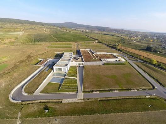 ELESKO Winery + ZOYA Museum / cakov + partners