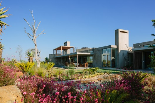 Casa Muro Espina / Drew Architects