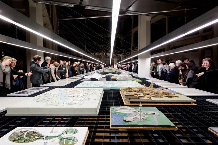 Los dibujos y modelos de Frei Otto son exhibidos con el diseño de exposición de FAR frohn&rojas, Cortesía de FAR frohn&rojas