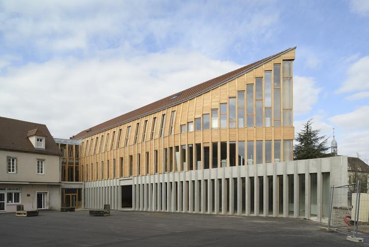 Remodelación de la Escuela Secundaria François Pompon / Charles-Henri Tachon, © Nicolas Waltefaugle