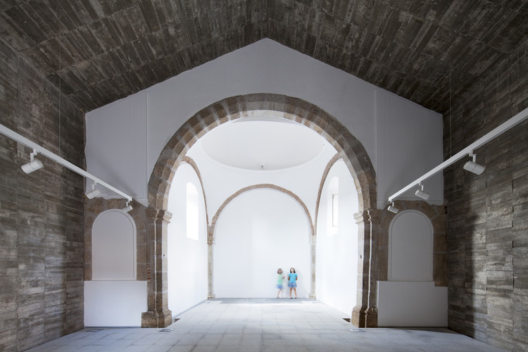 Rehabilitación Ermita del Santo Sepulcro  / Héctor Fernández Elorza + Manuel Fernández Ramírez, © Montse Zamorano