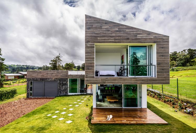 Casa Vistas ao Vulcão / ARQ. Arte y Diseño Digital, © Eduardo Rodríguez Romano