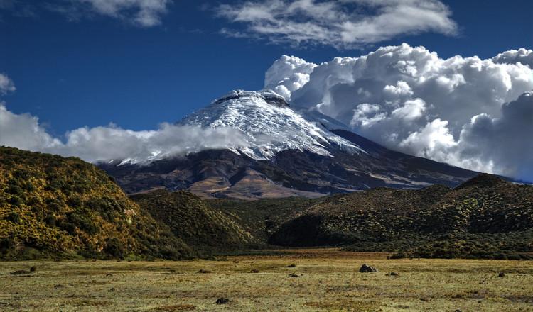 ¿Es Latinoamérica víctima de una amnesia colectiva? El caso del volcán Cotopaxi en Ecuador, Volcán Cotopaxi. Image © Ángel M. Felicísimo [Flickr], bajo licencia CC BY-SA 2.0