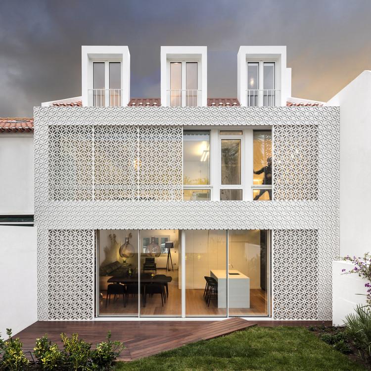 Material Focus: Expansion Inspired by Portuguese Tiles by João Tiago Aguiar, © Fernando Guerra | FG+SG