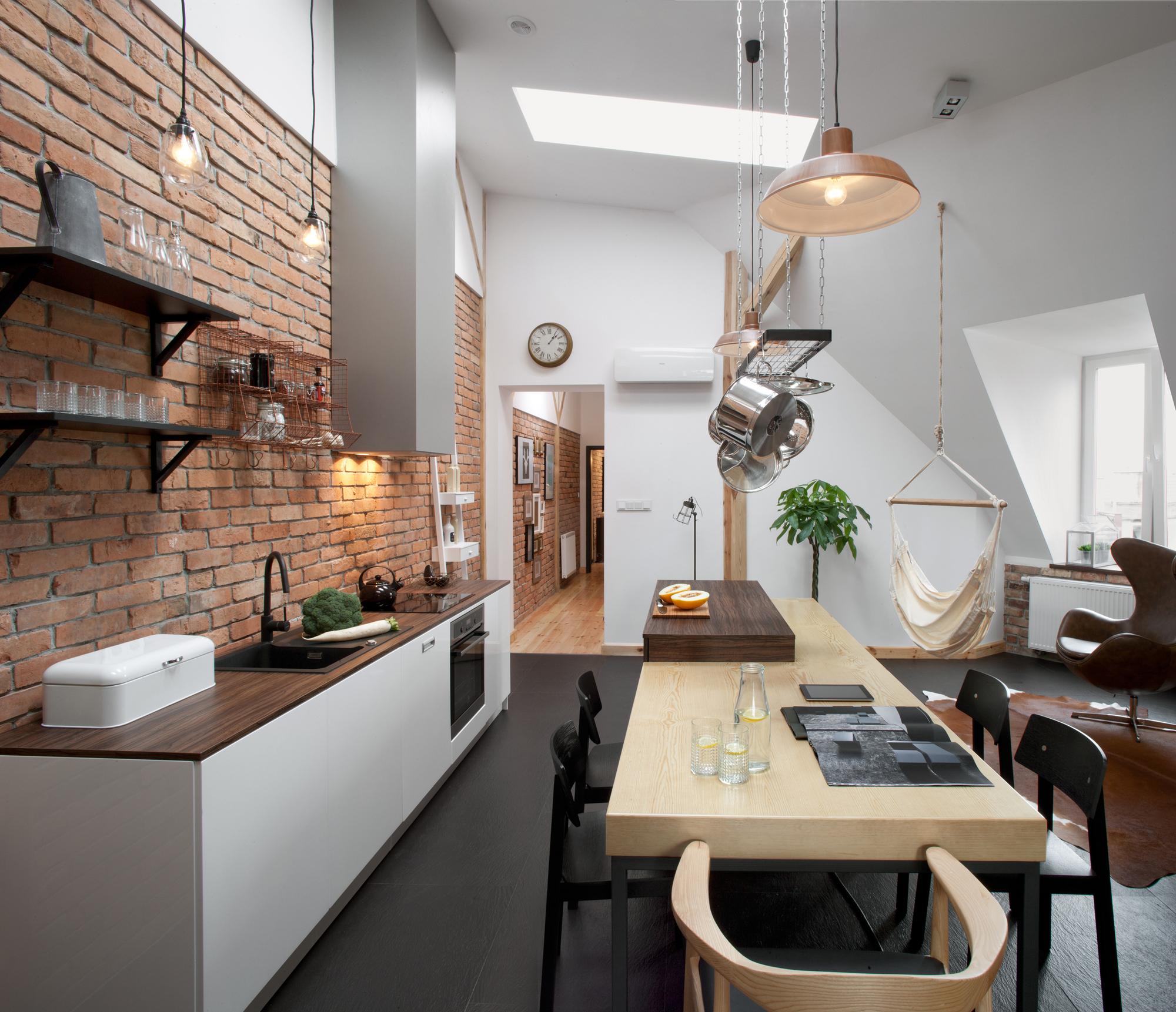 Styles Of Homes In Our Area: Loft Em Um Edifício Histórico / CUNS