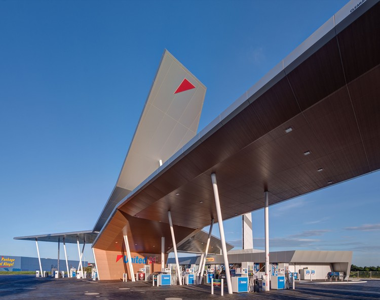 United Petroleum / Peddle Thorp Architects, © Jaime Diaz-Berrio