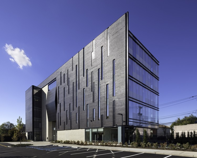 Biotrial North American Headquarters / Francis Cauffman, © Chris Cooper