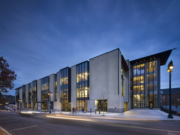 Easton City Hall / Spillman Farmer Architects, © Halkin Mason Photography