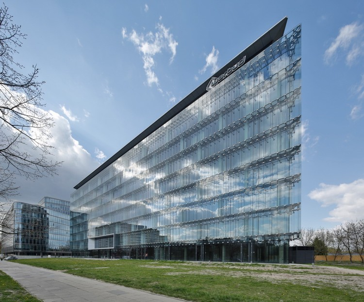 Pacific Headquarters Nestlé / Estudio Lamela, © Bartosz Makowski
