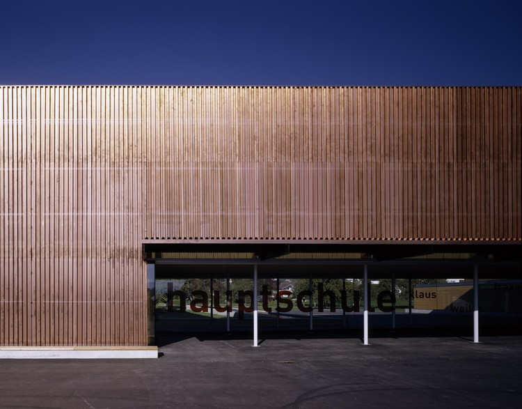 Secondary School / Dietrich | Untertrifaller Architekten, © Bruno Klomfar