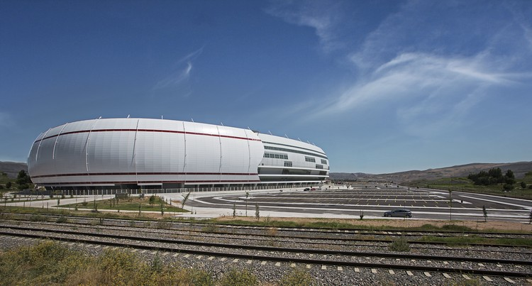 Estadio Sivas / Bahadir Kul Architects, Cortesía de Bahadir Kul Architects