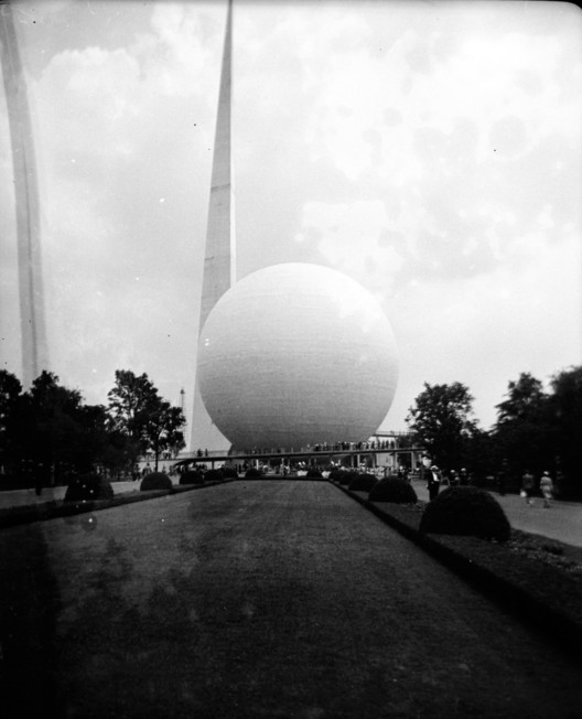AD Classics: Trylon and Perisphere / Harrison and Fouilhoux, Courtesy of Flickr user Richard under CC BY 2.0