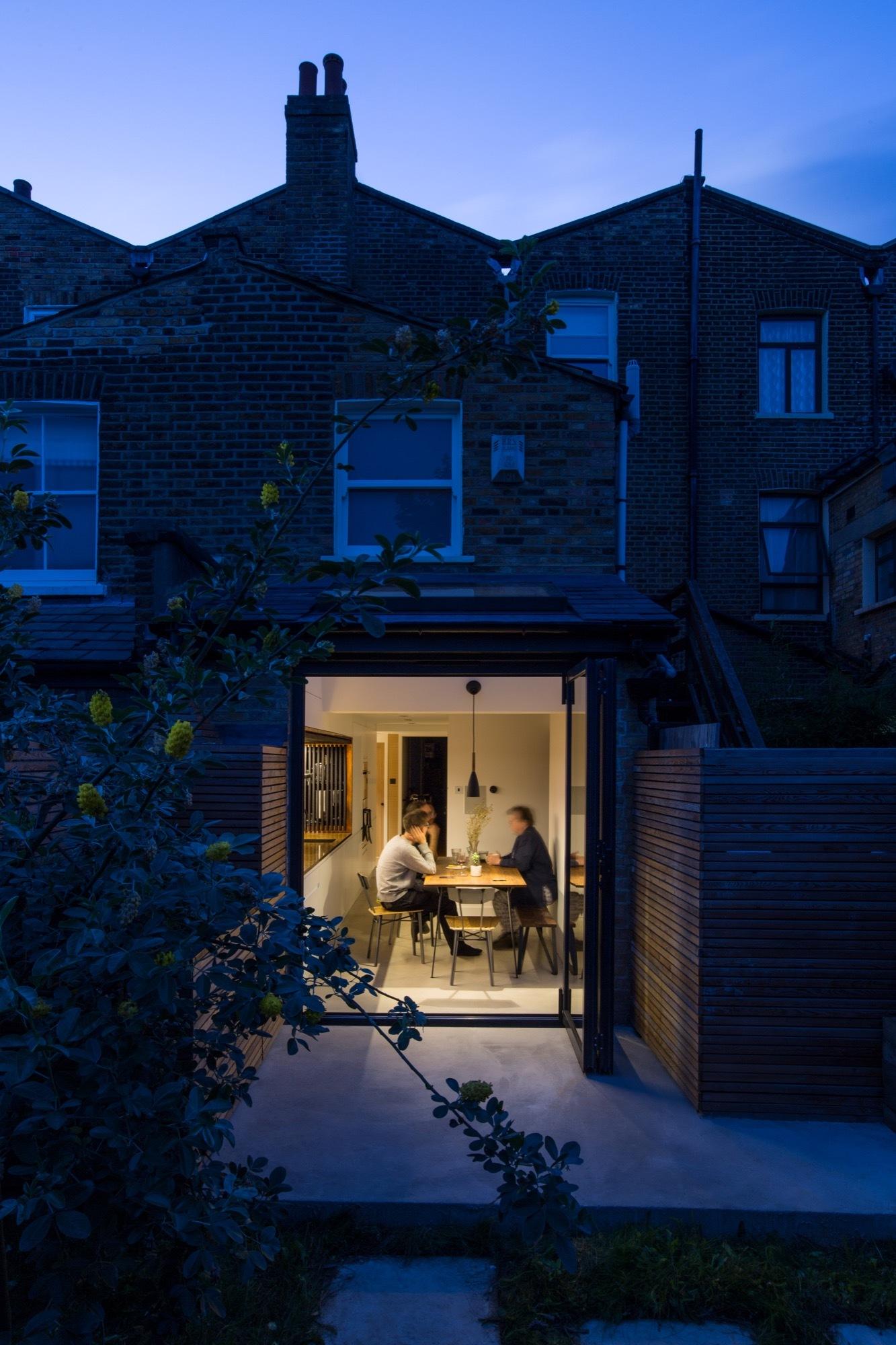 Sunken Bath Project / Studio 304 Architecture | ArchDaily