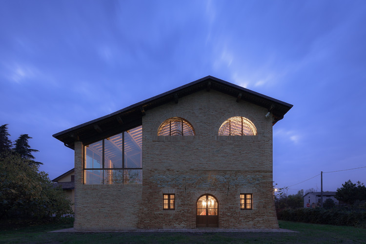 Ancient Farm Renovation / studiomas architetti, © Marco Zanta
