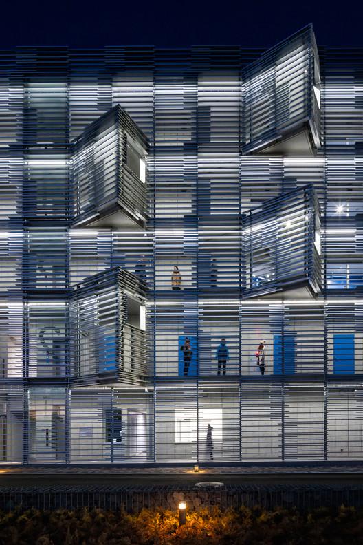 iHouse Dormitory  / Studio SUMO, © Kawasami Kobayashi Photograph Office