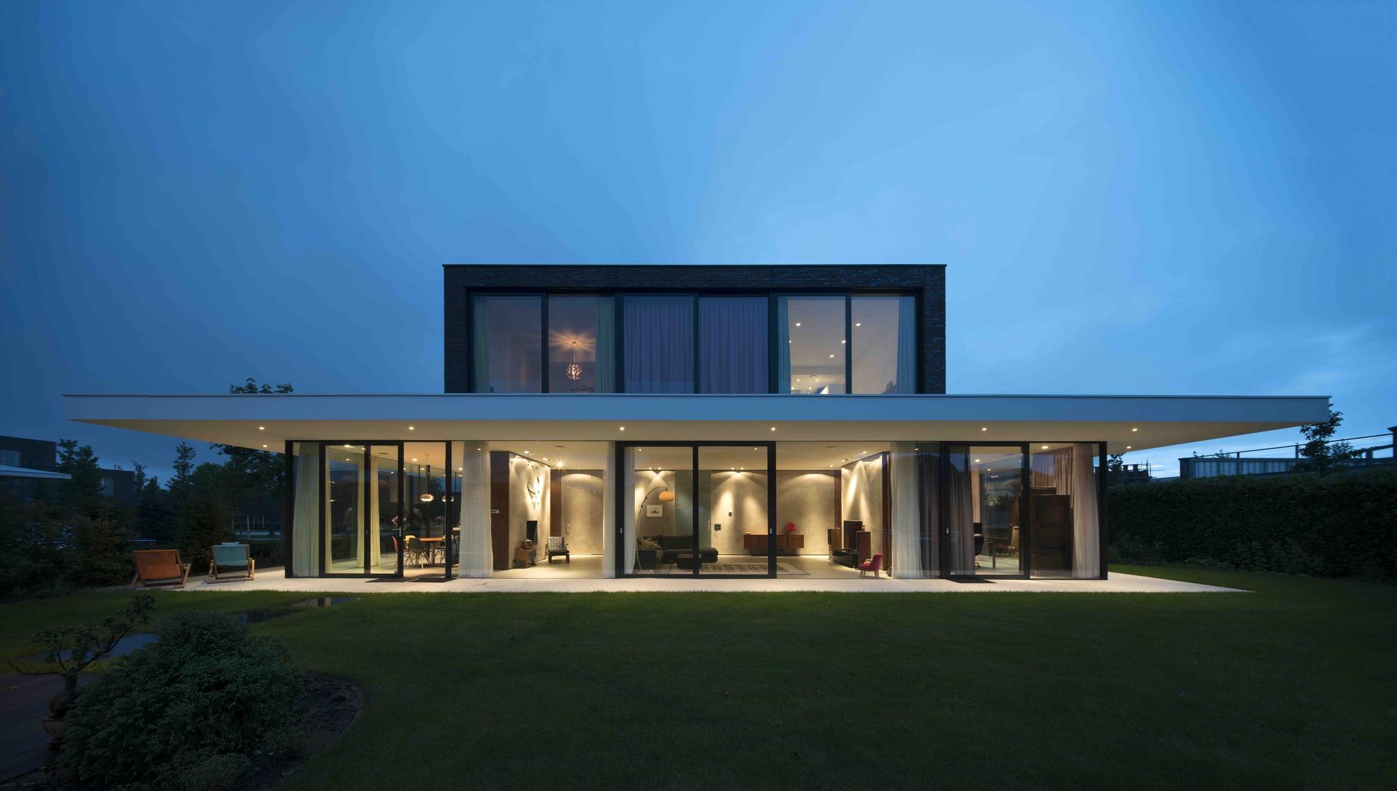 Powerhouse Company Villa