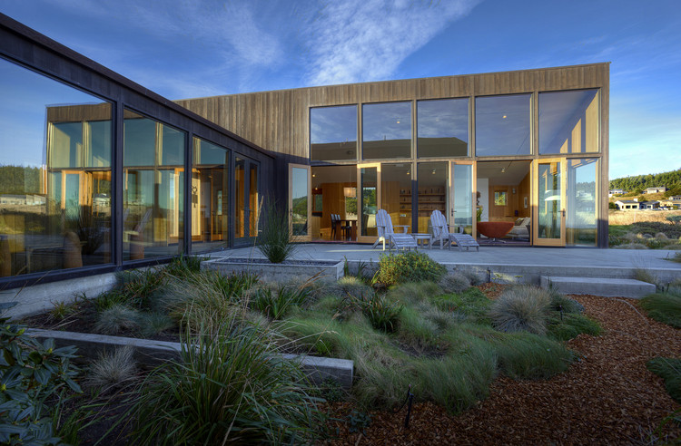Meadow House / Malcolm Davis Architecture, © Joe Fletcher