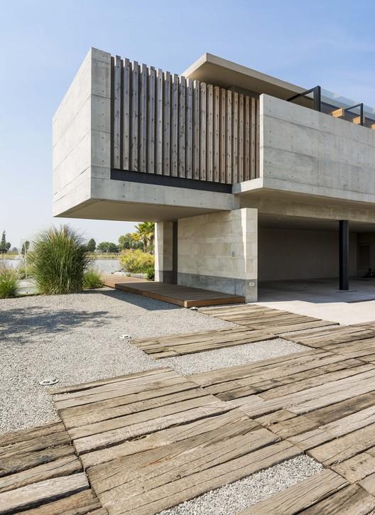Palermo lake house reims arquitectura archdaily - Archi moderni casa ...