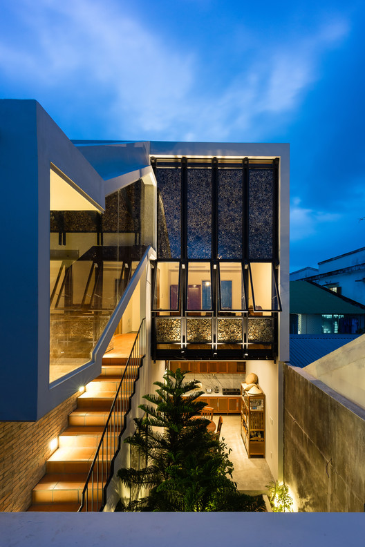 Half Roof House / AD+ studio, © Quang Dam