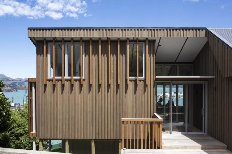 House with Villa Silhouette / Irving Smith Architects, © Patrick Reynolds