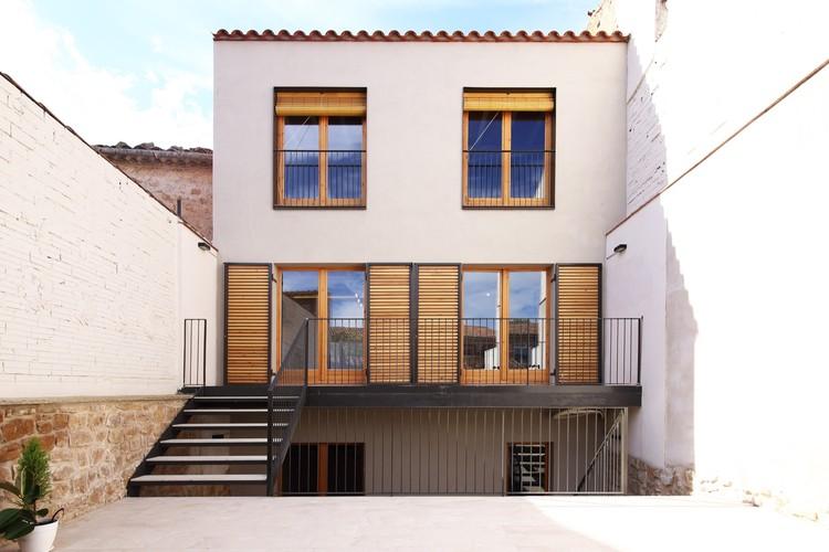 Casa cal parraquet espairoux arquitectura plataforma - Fachadas viviendas unifamiliares ...