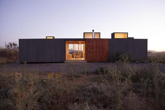 Casa Leyda  / Alfredo González Briceño + Ignacio Rojas Hirigoyen